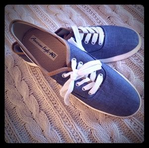 New, AE Canvas sneakers